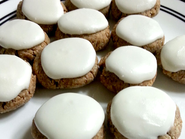 Almond Flour Tea Cookies