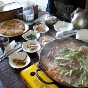 Mung bean pancakes and bulgogi lunch at Chinjulhan Hyunja-ssi in Insa-dong