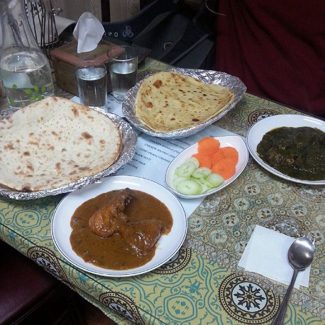 Curries and Bread at Taj Mahal in Ansan