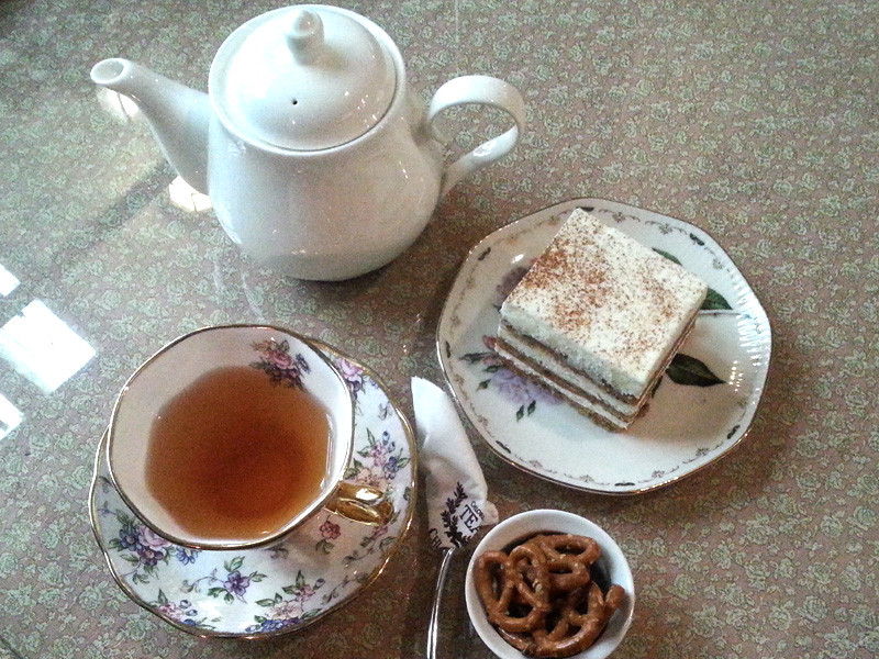 Earl Grey Tea and Carrot Cake at Chloris Tea & Coffee