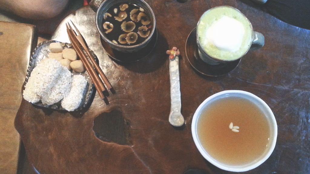 Tea at Sinyetchatjib