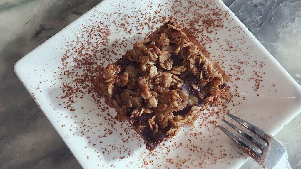 Dark Chocolate Peanut Butter Oat Bar