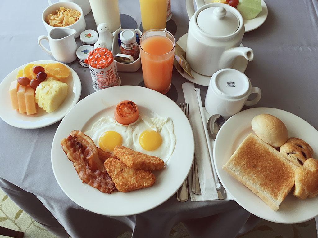 American Breakfast Room Service